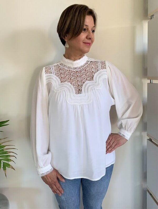 Front detail white lace long sleeve top