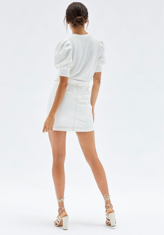 White soft knit puffed sleeve top